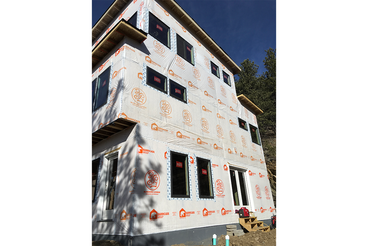 Exterior 2 story home in progress
